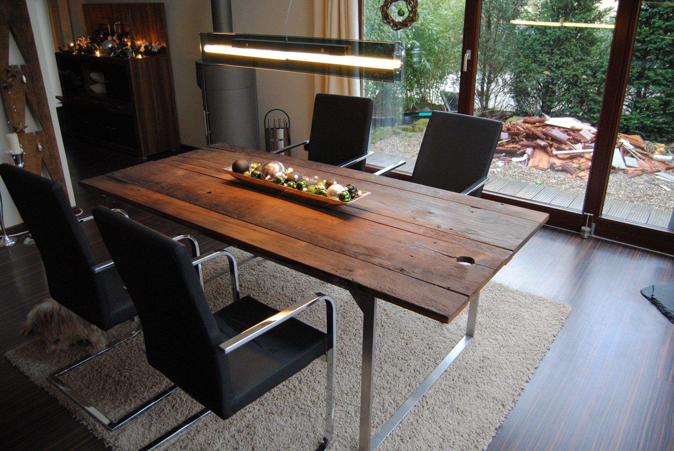 esstisch mit edelstahlgestell und bohlen als tischplatte aus 250 jahre alten eiche konzepte. Black Bedroom Furniture Sets. Home Design Ideas