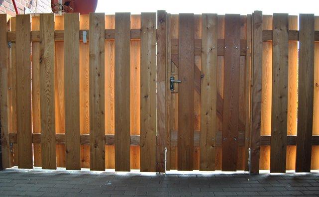 Zaun Aus Larche Unter Vorhandenem Carport Konzepte Aus Holz